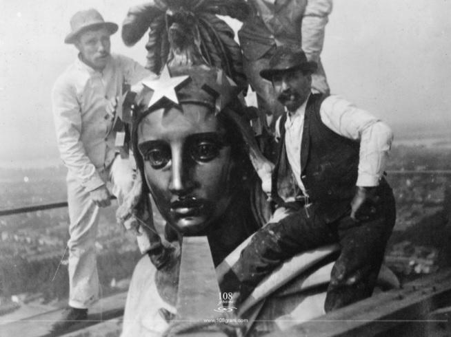 Lady of Freedom in un restauro del 1913